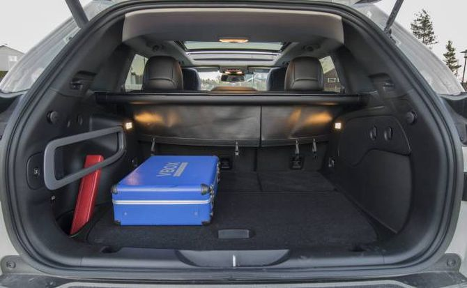 JEEP: Tilstrekkeleg bagasjerom i Cherokee.
