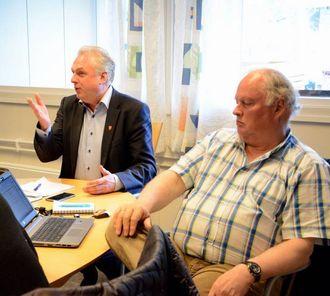 SPENNANDE FRAMOVER: Ordførar Jan Geir Solheim seier han eroverraska og nedstemt av korleis rapporten om skulebruksplan er lagt fram.