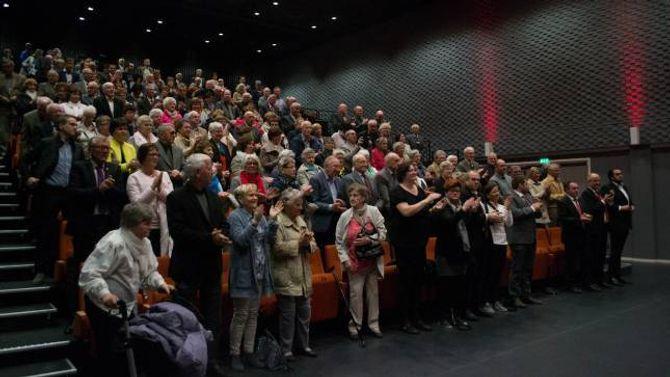 Anne Gine Hestetun fekk applaus frå ståande publikum etter talen.