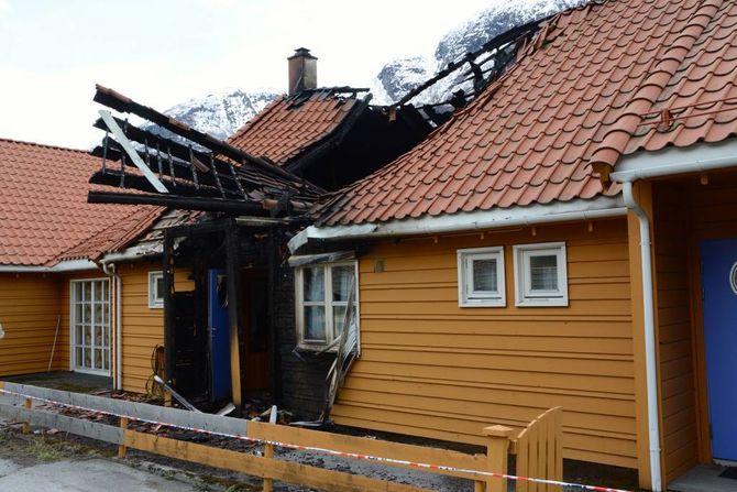BRANN:– Bueininga der brannen starta er totalskadd. Men den branntekniske seksjoneringa av bygget var bra, slik at det hindra spreiing til dei andre bueiningane i bygget, fortel brannsjef Gaute Johnsgaard.