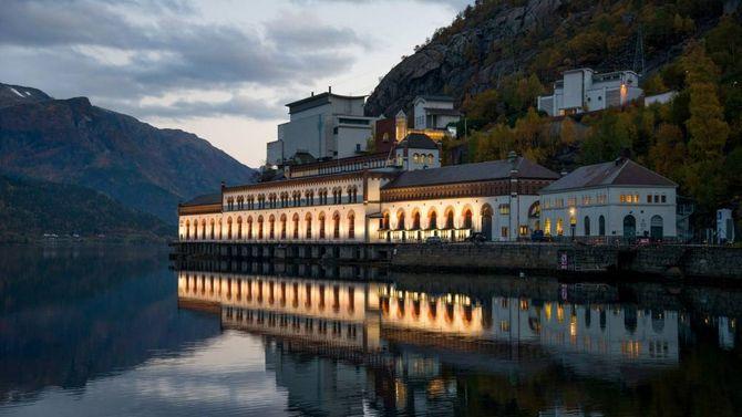 FREDA: Kraftstasjonen i Tyssedal, som opna i mai 1908, var ein viktig føresetnad for industrien i Odda. Anlegget vart freda av Riksantikvaren i 2000. Det er restaurert, og blir i dag drive som Norsk Vasskraft- og Industristadmuseum.