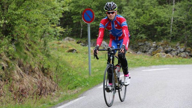 TALENT: Sykkeltalentet Eirik Kinserdal trenar 15 gangar i veka, og i juni vart han belønna med ein 24. plass i NM.