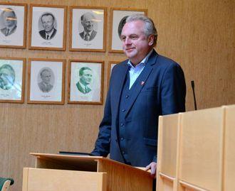 POSITIV: Ordførar Jan Geir Solheim (Sp) er positiv til å ta imot 28 syriske flyktningar. Saka skal i kommunestyret i september.