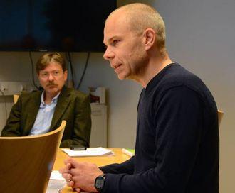 VURDERING: Johannes Myrmel, sakshandsamar i Lærdal kommune, informerte om stoda under det ekstraordinære formannskapsmøtet torsdag.