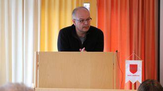 AVVENTANDE: Hilmar Høl (Ap) ville ikkje kommentere rapporteringsforma til Årdal Utvikling.