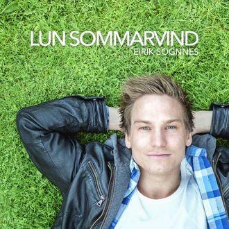 SOMMARFORELSKING: «Lun sommarvind» er ei sommarforelsking av ein låt, seier Sognnes.