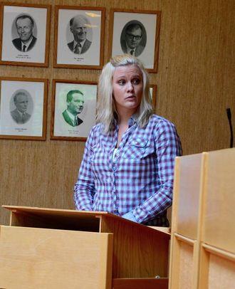 OPPMODING: Marit Breistøl (Sp) syner til ein rapport som vurderer PPT i Sogn og oppmodar om dialog mellom kommune, administrasjon og PPT Indre Sogn.