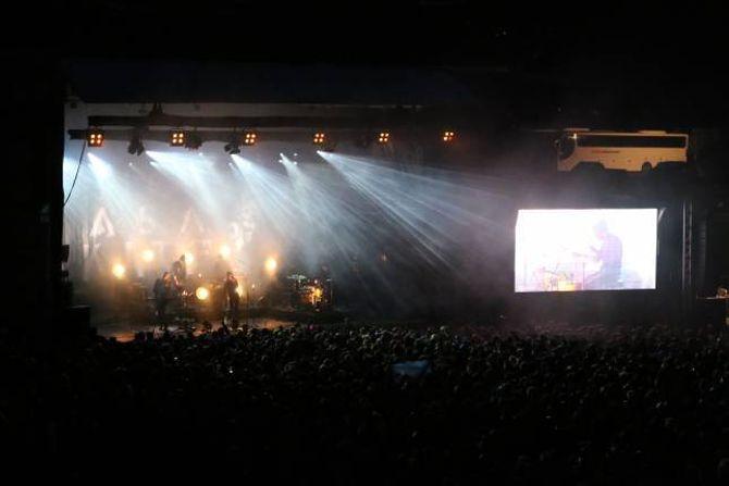 GOD STEMNING: Highasakite avslutta den friluftsnære festivalen laurdag kveld.