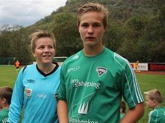 ANDREPLASS: Peter og Bengt sitt Jølster kom på ein respektabel andreplass.