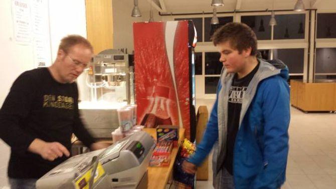 KIOSK: Ein kiosk er ein viktig del av kinoopplevinga, meiner Hamre.