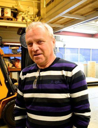 NØGD: Willy Jensen er godt nøgd med å sikre seg Haugane som tilsett i bedrifta på Årdalstangen.