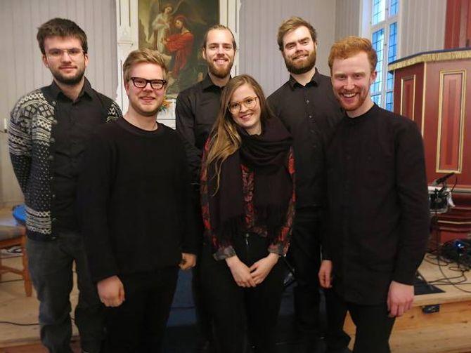 FLINKE: Dei flinke musikarane og lydmann var Sondre Feratd, Martin Johannessen, Martin Ulltang, Ester Lorentzen, Håkon Auli og Runar Netland.