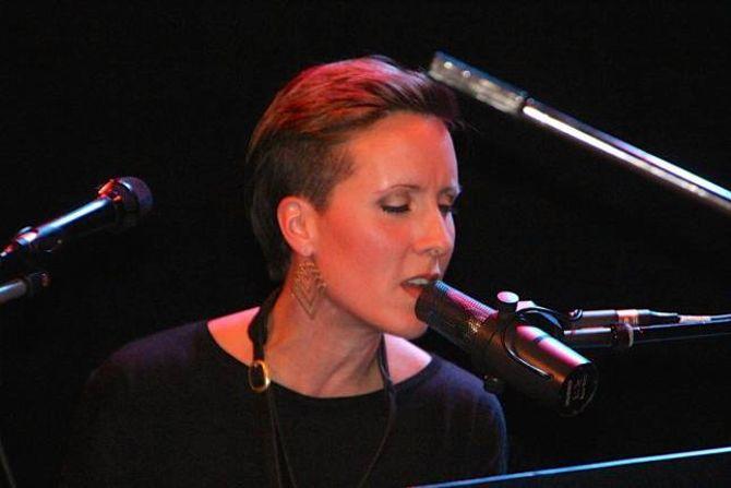 ERSTATTAR: Sissel Vera Pettersen kom til Noreg for å spela samanmed Terje Isungset.