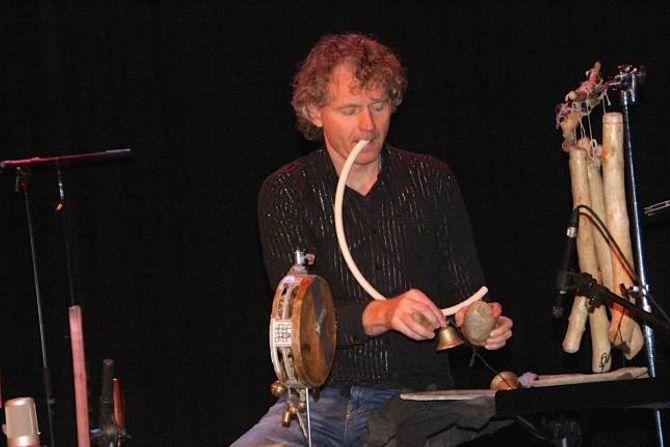 ALLSIDIG: Terje Isungset er ein allsidig musikar som kan spelapå fleireinstrument.