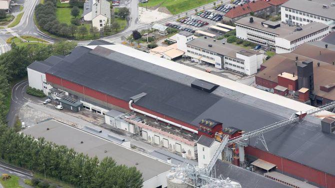 GODE TAL: AMBS har bidrege til synlege betringar i produksjonen til Årdal Metallverk, som ser ut til å setje produksjonsrekord for 2015.