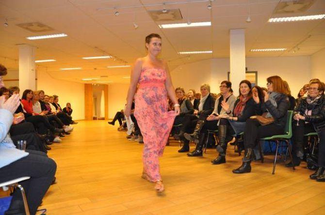 MOTEVISNING: Omlag 100 damer møtte i kveld opp på Vivendi for å få med seg årets nye motar.