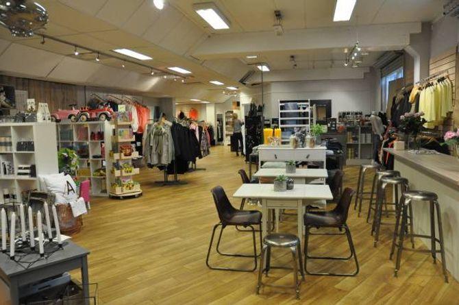 NY UTSJÅNAD: Lokalet er nyoppussa og kaffibaren er på plass, Vivendi ynskjer gamle og nye kundar velkommen.