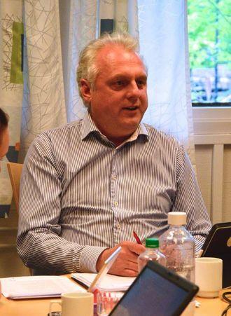 FORVENTINGAR: Jan Geir Solheim, ordførar i Lærdal, både reknar med og forventar at det kjem meir støtte til kommunen. Arkiv