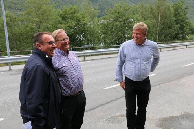 GODTEK IKKJE NEI: Prosjektleiar Jan Øhlckers seier dei kan få svar på om dei får ein KVU allereie i haust, og blir det eit nei, er det ikkje noko dei godtek, seier Lægreid (t.v.).