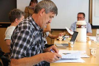 SPØRSMÅL: Erling Offerdal (Sp) var klar på at pariet hans er positive til planane, men reiste også nokre spørsmål. Arkivfoto