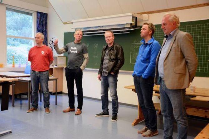 MYKJE ER OPP TIL ØKONOMIEN: Er det avsett pengar til samfunnshuset til Borgund? Kva vil de gjera med Kosen? Kvar kjem tunnelen på Ljøsne ut? Det var nokre av spørsmåla som elevane på Borgund skule stilte toppkandidatene før årets kommuneval.