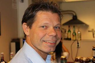 TREND: Kjell Tore Grøthe er dagleg leiar i Kort&Godt i Lærdal, og merkar den aukande interessa for lokal mat.