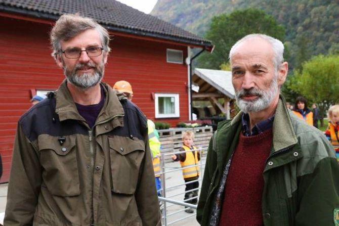 – PARADISISK: Slik skildrar leiar i Lærdal sankelag Kåre Rudningen tilstandane i det området som jerven tok så mange lam i fjor. Her saman med Anders Haugen, tidlegare leiar i sankelaget.
