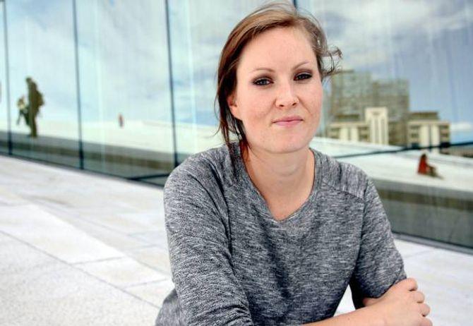 INTERNETT-JUNKIE: Forfattar Agnes Ravatn måtte ta store grep for å kvitta seg med dårlege nettvanar.