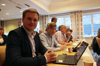 FORSVARTE SEG: Aleksander Øren Heen (Sp) innrømte at dei var i forhandlingar om dette, men etter å ha sett prislappen bestemte dei seg for å vente.
