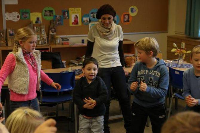 INKLUDERANDE:Rodrina (3) fekk sjølv oppleve kor inkluderande elevane i 3. og 4. klasse ved Ljøsne skule er.