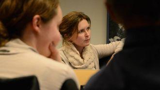 – FINST ALTERNATIV: Annike Vanberg (SV), som har fleire år som tilsett ved Ljøsne skule bak seg, meiner det må gå an å omdisponere skulebygget på Ljøsne i staden for å legge ned eller fullrenovere.