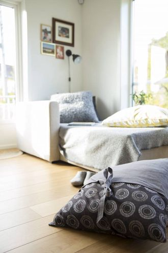 GOLVPUTE: Sy di eigen golvpute i bomull og lin. Vil du gjere det litt meir avansert kan du som her sy på knytelukning.