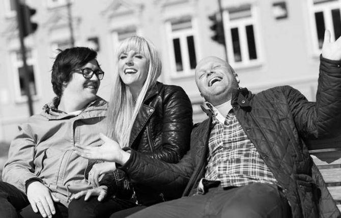 TIL LÆRDAL: Trioen Martin Halla, Maria Arredondo og Torstein Sødal kjem til Hauge kyrkje i Lærdal 10. desember.