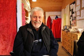 KJEKT: Ingebrigt Wangensteen Gjerde synes alltid det er kjekt å vere på marknad i Lærdal.