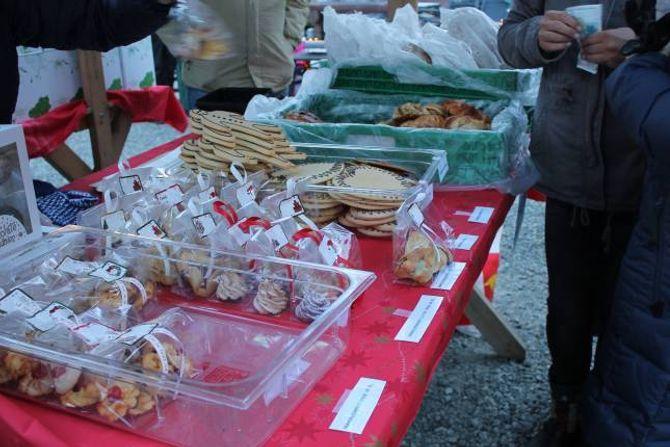 JULEKAKER: Julekakene til TYA bakeri var populære.