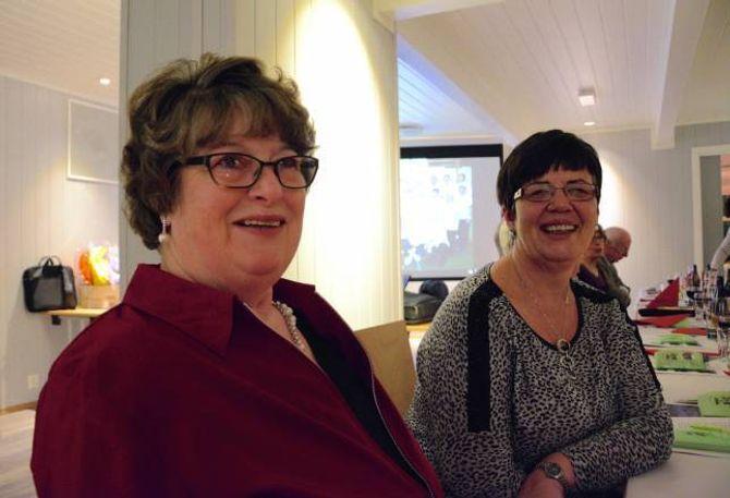 FIN PERIODE: Anny Øvstetun Tungen (f.v) og Astrid Kvam sett pris på det sosiale, i tillegg til det å koma seg ut for å trimma gjennom Årdal Mosjonsskule .
