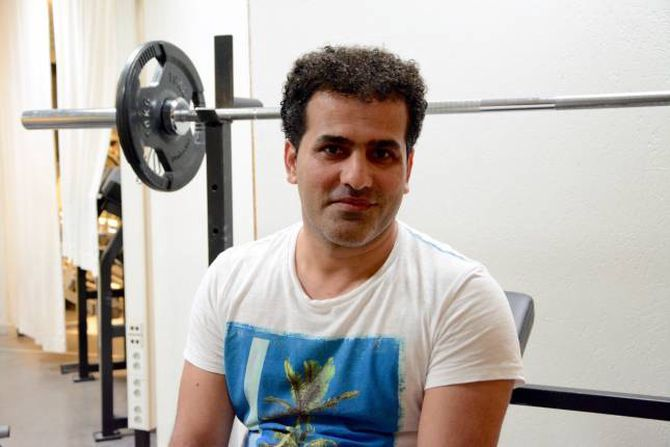 VIKTIG TILBOD: Sardar Kareh (34) tykkjer Gymloftet er eit viktig tilbod også for å blir kjent med folk i bygda.