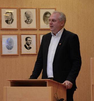 – LOVAR GODT: Ordførar Jan Geir Solheim (Sp), tykte semja mellom politikarane lovar godt for arbeidet dei skal igjennom dei fire neste åra.