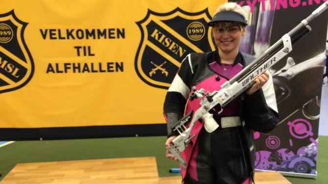 MEISTER: Helene Johansen Vikøren starta 2015 med eit brak. I februar sette ho ny pers. I mars vart på norgesmeister.