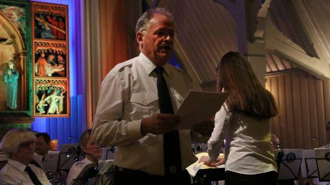 GAV SEG: Rundt påsketider i fjor sendte Oddgeir Øren dirigentpinnen vidare til Ben Hirons.