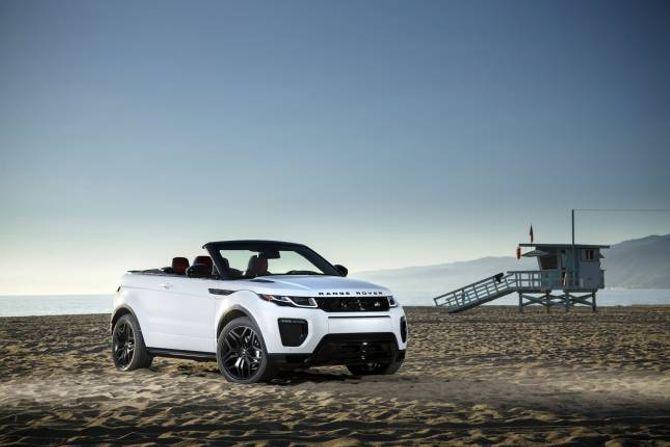 OPEN: Høg bakkeklaring og kabriolet er ikkje nokon motsetning, men uvanleg er det. Range Rover opnar ein heilt ny nisje med Evoque Cabriolet.
