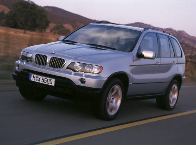 SAV: BMW X5 var merkets første SUV, eller SAV, Sports Activity Vehicle, då han kom i 1999.
