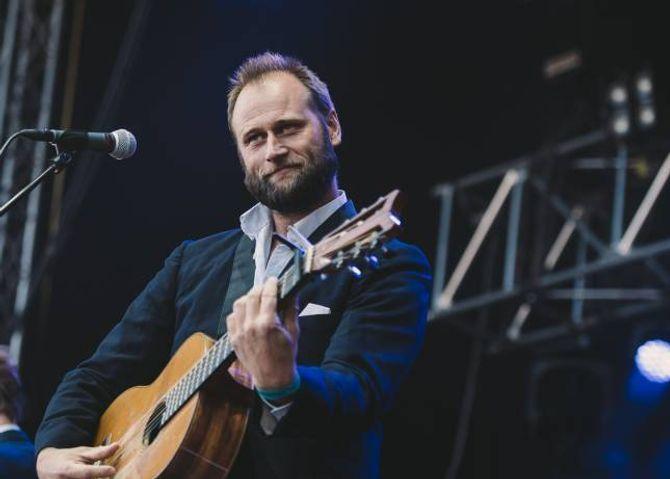 ARTIST:Stein Torleif Bjellaskal spele under Målrock 2016.