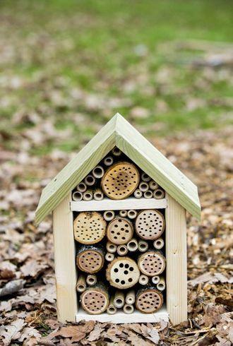 PYNT: Legg du ned litt arbeid, kan insekthotellet bli ganske så dekorativt.