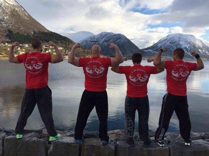 HANDBAK: Lærdal handbakklubb hadde fire deltakarar i årets NM i handbak.