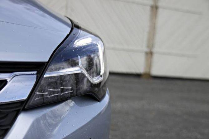 MATRIX: Alle som har sett reklamefilmen med Jürgen Klopp veit at bilen har det nyaste av lysteknologi, nemlig LED Matrix. Denne lysteknologien leser av trafikkbildet og justerer lysstyrke etter forholda.