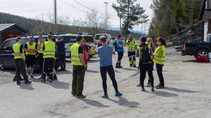 STORT SØK: Store styrkar er sett i sving i leitinga etter ein sakna mann på Haukåsen i Sogndal.