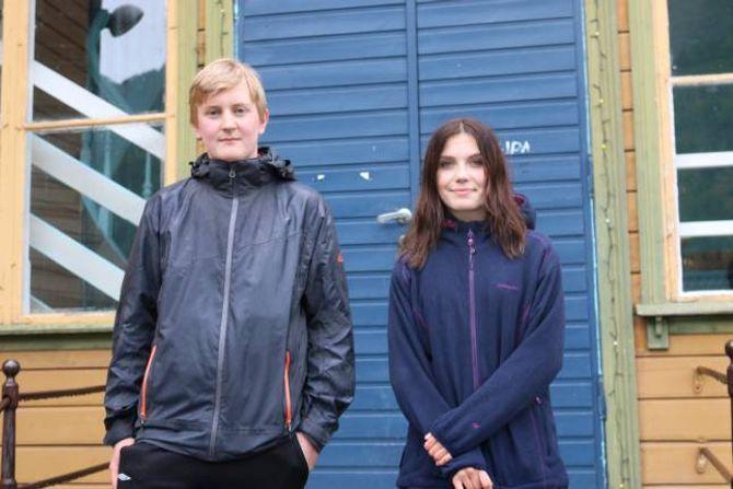 KOSEN: I kommande kommunestyremøte skal representantar frå Ungdområdet delta for å tala si sak om ungdomsklubben. Torstein Mo Kirkeluten (16) og Inger-Johanne Kaardal.