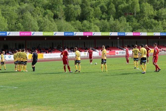 SCORA: Eirik Rodde sette ballen i mål i starten av andre omgang.