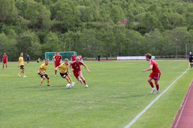 EITT POENG: Årdal FK henta eitt poeng i kampen mot Lillestrøm 2.